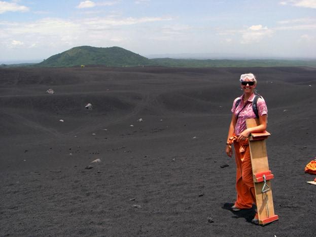 Sandboarden am Cerro Negro in Nicaragua