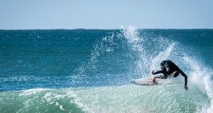Faszination Surfen: Vom Reisen und Filme machen. Ein Interview.