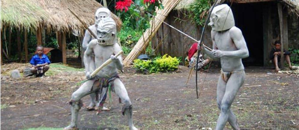 backpacking papua neuguinea
