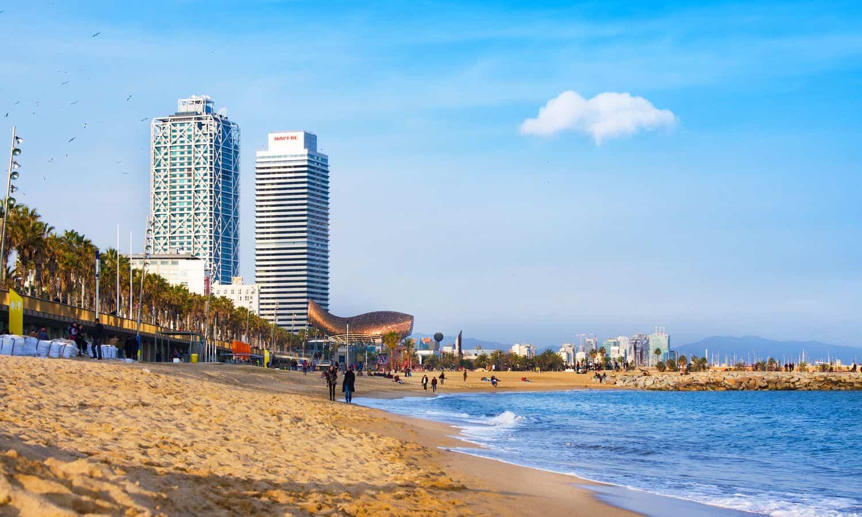 Barcelona Sehenswürdigkeiten – Strand im Stadtteil Barceloneta