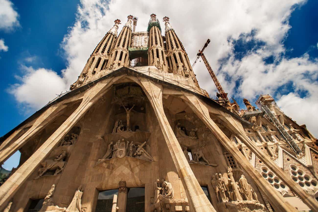 Barcelona Sehenswuerdigkeiten Sagrada Familia Aussenfassade Ansicht