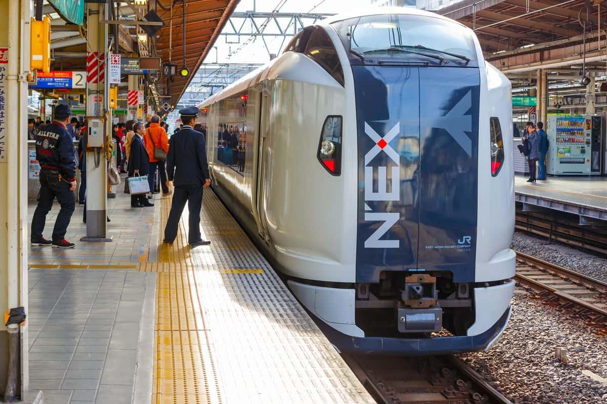 Japan-Reise – Narita-Express-Zug von vorne
