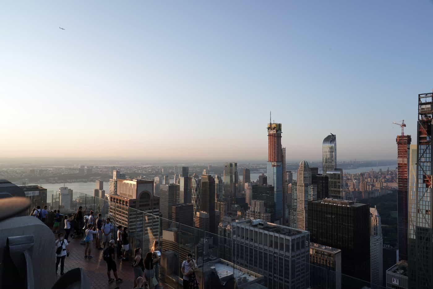 New York City – Aussicht über die Skyline von NYC von der Aussichtsplattform des Empire State Buildings