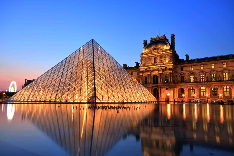 Paris Ratgeber Louvre am Abend