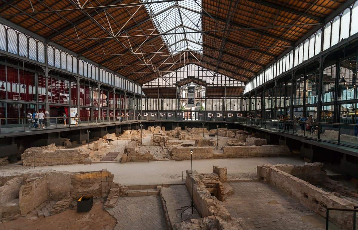 Ausgrabung in der alten Markthalle von El Born