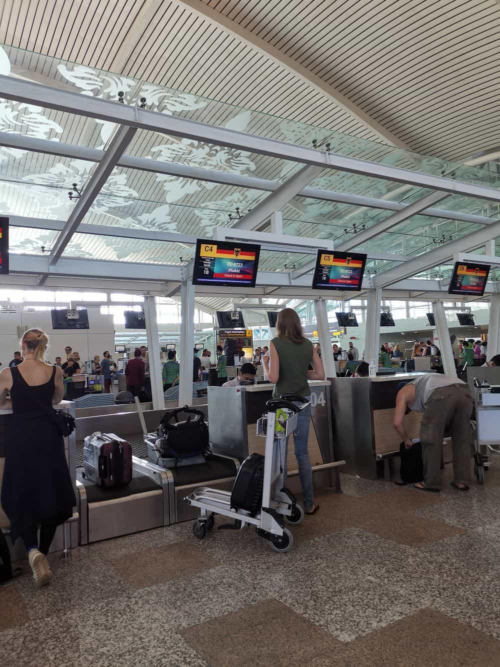 Corona-Rückholaktion nach Deutschland – Check-in am Flughafen Ngurah Rai