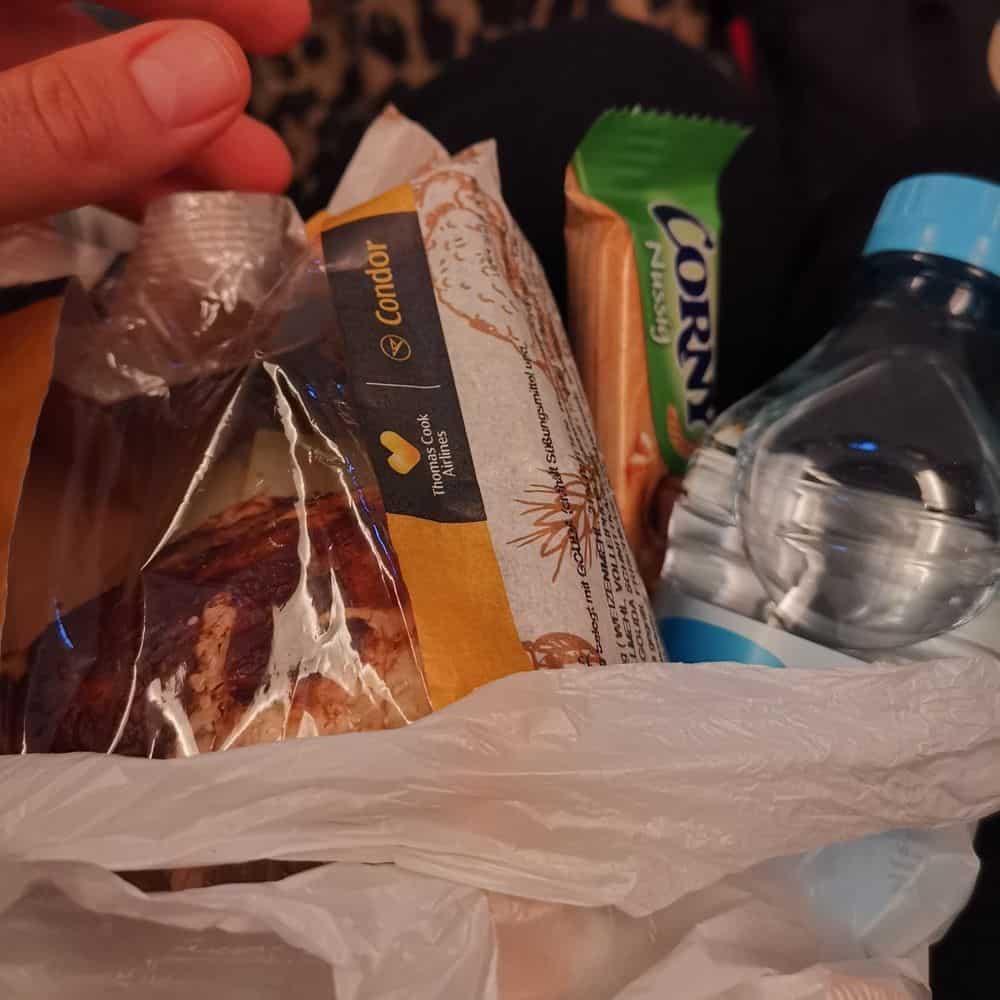 Corona-Rückholaktion nach Deutschland – Lunchpaket auf dem Flug von Bangkok nach Frankfurt