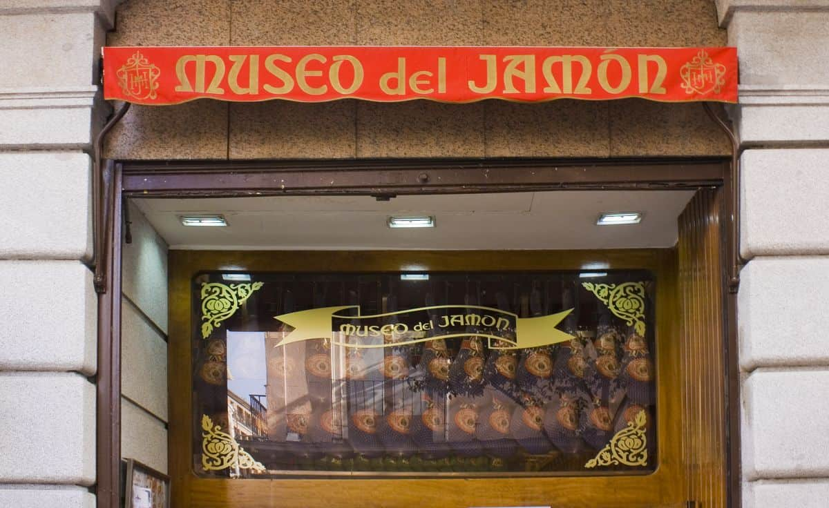 Madrid-Reise – Außenfassade des Museo del Jamon
