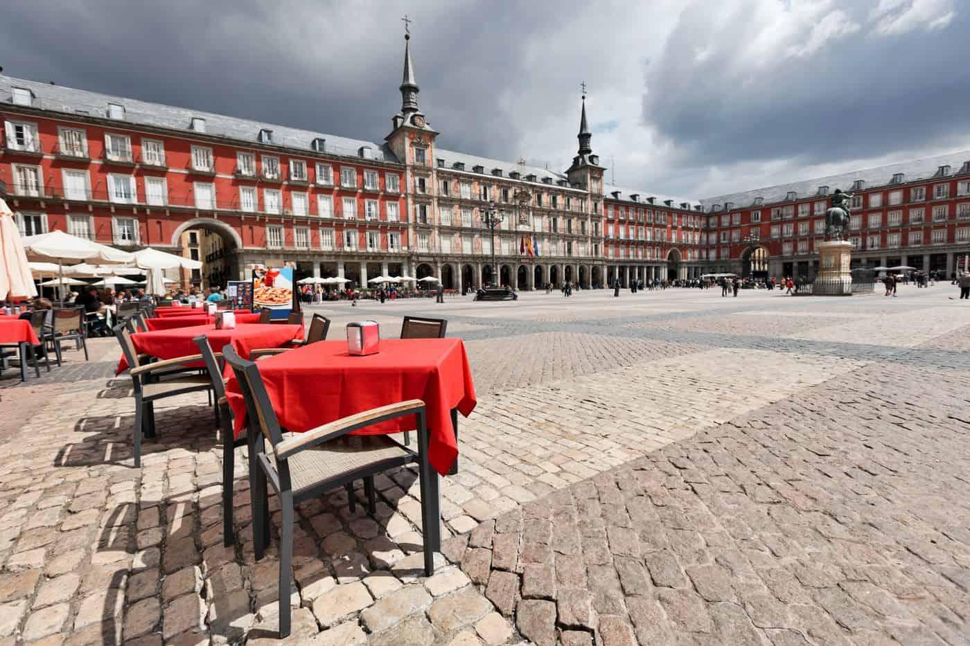 Madrid-Reise – Blick über den leeren Plaza Mayor