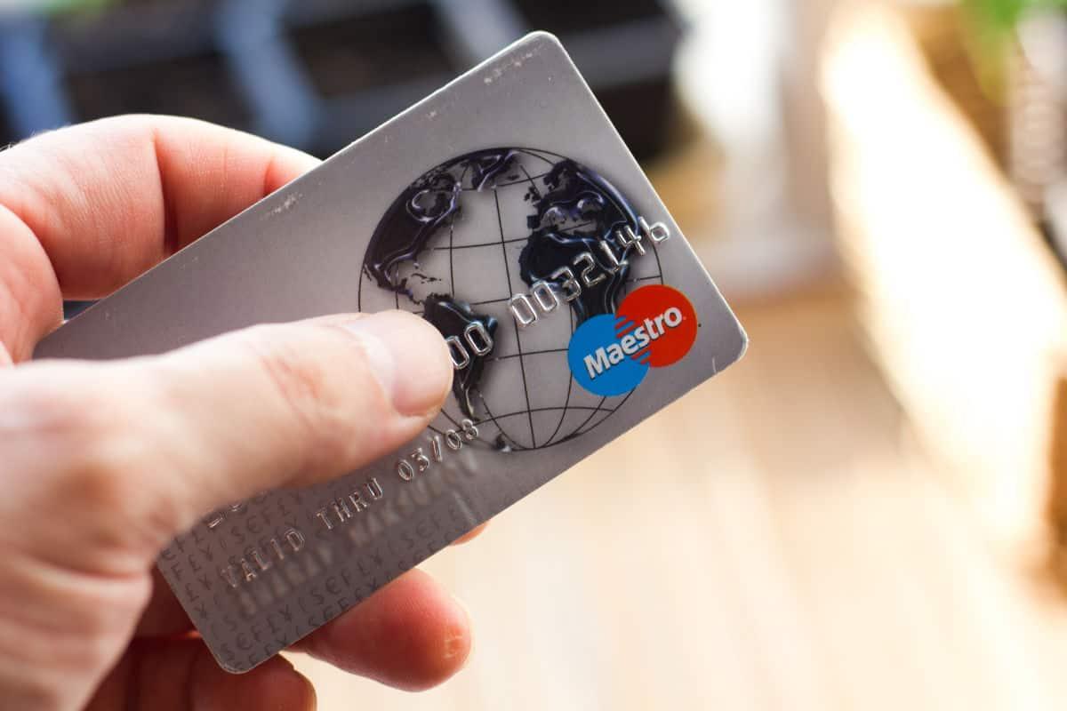 Die besten Reise-Kreditkarten – Maestro-Karte