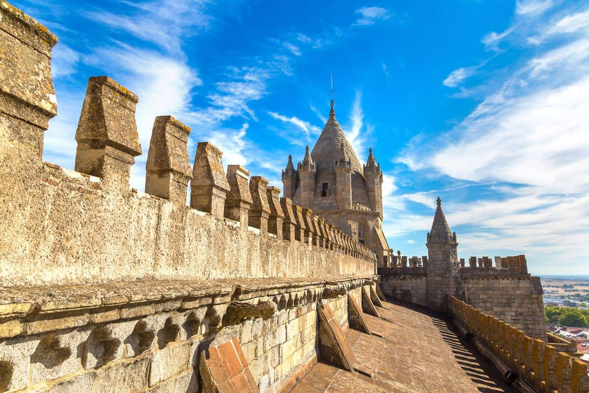 Portugal Reise-Tipps – Kathedrale von Evora in der Alentejo-Region