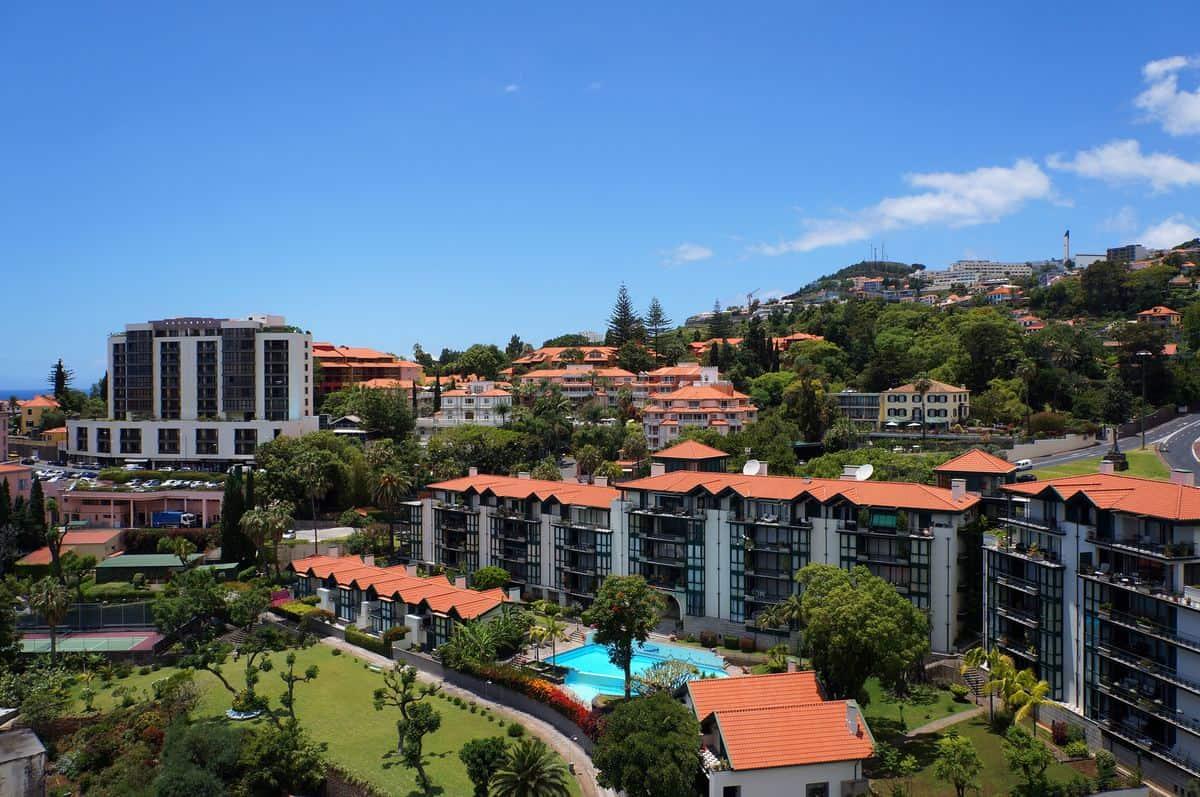 Portugal Reise-Tipps – Hotelanlage in Funchal auf der Insel Madrid