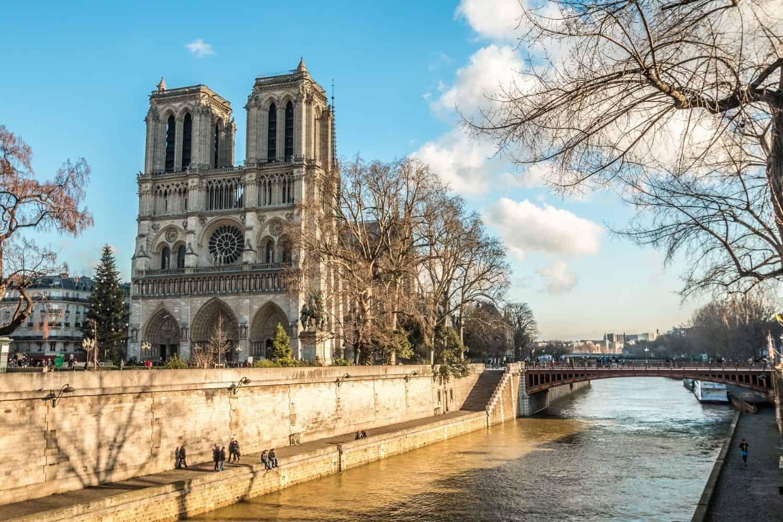 Paris Sehenwuerdigkeiten Notre Dame Unbeschaedigt