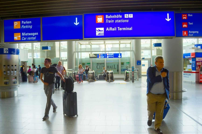Ferien in Deutschland Flughafen