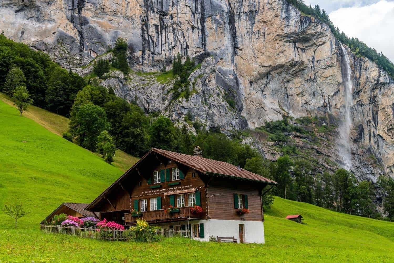 Berghuette in der Schweiz