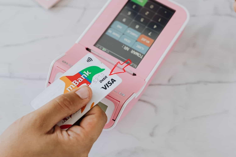 Kreditkarte Debit Hinweis